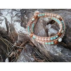 Bracelet wrap perles cristal, nacre et cuir naturel