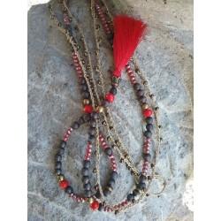 Colliers Bois, cristal rouge et fil rocailles doré