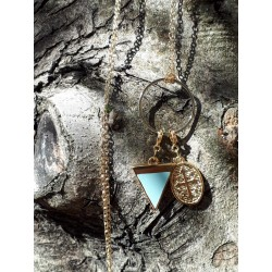 Sautoir chaine plaque or, pendenfif bleu et croix