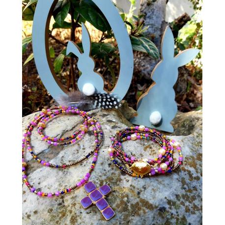 Collier cristal et croix violet