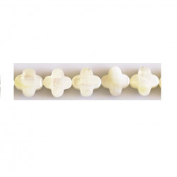 Perle nacre trèfle 10mm blanc