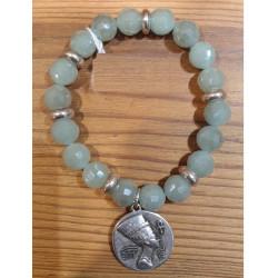 Bracelet cristal vert d'eau pendentif Néfertiti