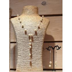 Collier et boucles d'oreilles perles