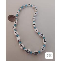 Bracelet perles métal croix, rocailles et breloque ethnique